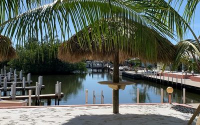"Southwest Florida offers many ""boatels"" – Tie Up and Check In"
